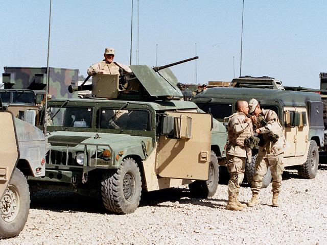 Amerykanie też się dopancerzali... Irak, wiosna 2005 r./fot. Marcin Ogdowski