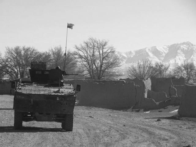 """Z informacji, jakie od Was docierają, wynika, że w okolicach Czterech Kątów doszło do bardzo poważnej potyczki. """"Jeśli tak jest zimą, to co będzie na wiosnę...?"""" - martwi się jeden z będących na miejscu użytkowników bloga. Podzielam te obawy.../fot. PIO Afganistan"""