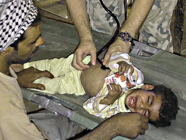 Przegląd chorobowych nieszczęść, jakie dotknęły mieszkańców Al-Akry, normalnego człowieka przyprawiał o ból głowy/fot. Marcin Ogdowski