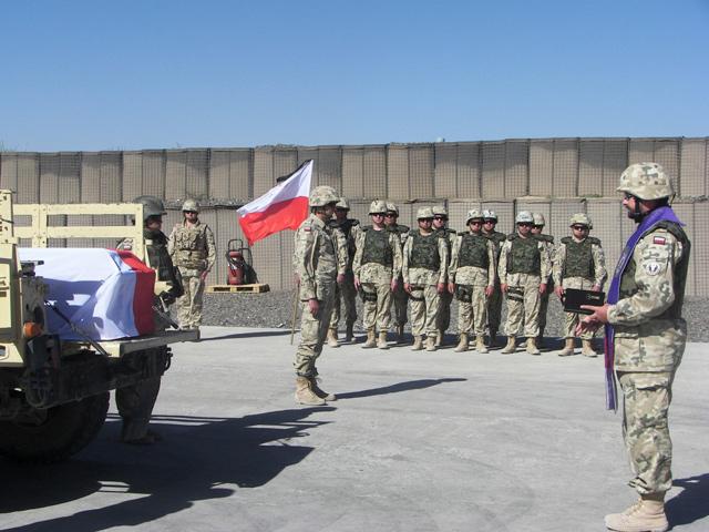 Pożegnanie poległego w sobotę Miłosza Górki/fot. PKW Afganistan