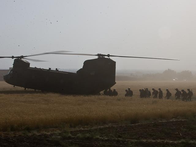 """""""Śmigło"""" daje gwarancję, że nie wjedzie się na IED. Niestety, """"wiatraków"""" jest w Afganistanie wciąż za mało.../fot. Adam Roik, Combat Camera DOSZ"""