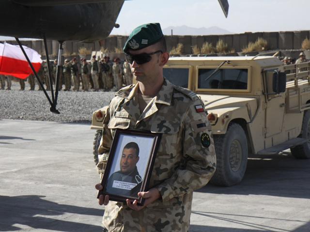 Pożegnanie Kazimierza Kasprzaka w bazie Ghazni/fot. Artur Weber, PKW Afganistan