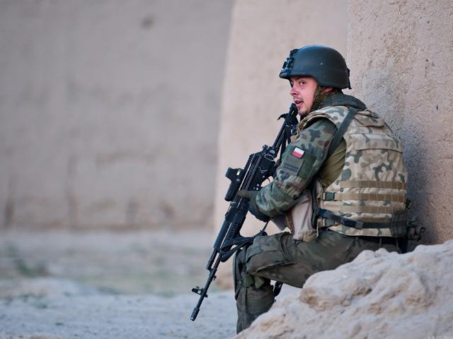Żołnierz ma jeść, spać i walczyć... - twierdzi gen. Skrzypczak/fot. Adam Roik, Combat Camera DOSZ