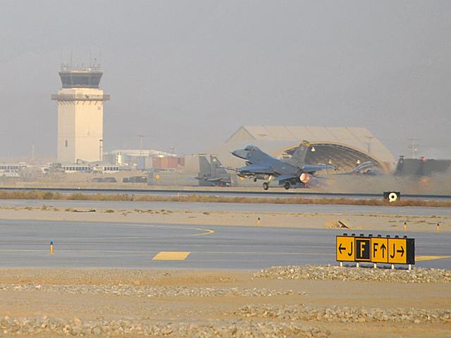 Polacy nie prowadzą z Bagram działalności operacyjnej, ale dla amerykańskich sił powietrznych jest to regularna baza/fot. Marcin Ogdowski