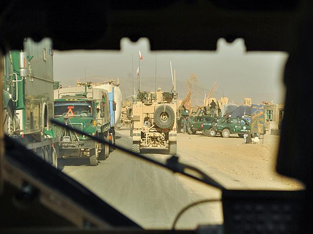 Jakkolwiek to brutalnie zabrzmi, wczorajsza tragedia nie wpłynęła na działalność kontyngentu; wojsko dalej realizuje swoje zadania/fot. Marcin Ogdowski
