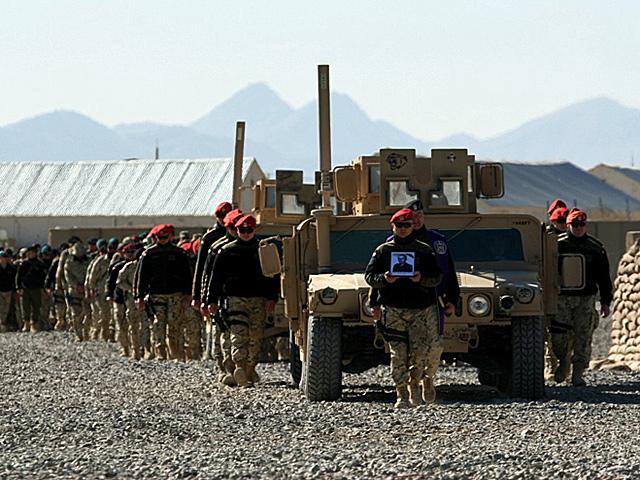 Poległych żegnał tłum żołnierzy i pracowników PKW/fot. Artur Weber, PIO PKW Afganistan