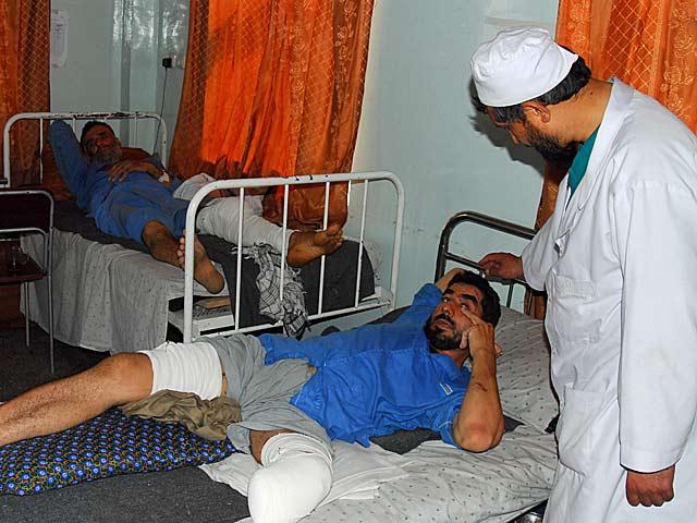 Latem 2007 roku ta ciekawość zaniosła mnie do prawdziwego centrum ludzkich nieszczęść - największego w Afganistanie szpitala ortopedycznego w Kabulu/fot. z archiwum właściciela bloga
