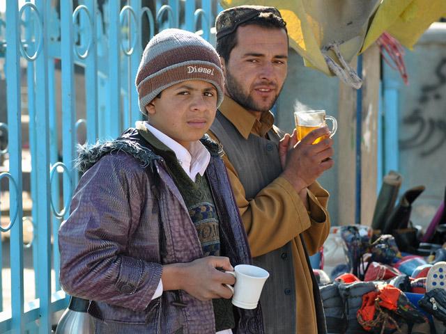 Stragan straganem, ale herbaty napić się trzeba/fot. Marcin Ogdowski