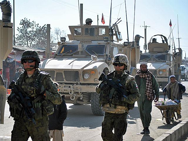 Patrol PRT na jednej z ulic Ghazni/fot. Marcin Ogdowski