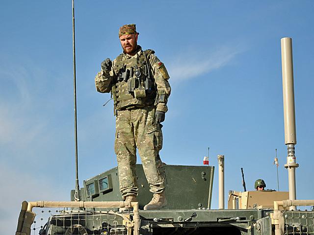 Coraz więcej żołnierzy nosi tego rodzaju mundury/fot. Marcin Ogdowski