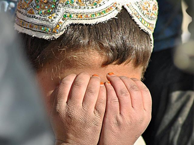 Proszę zwrócić uwagę na fakturę skóry małego przecież dziecka.../fot. Wojciech Kluczewski