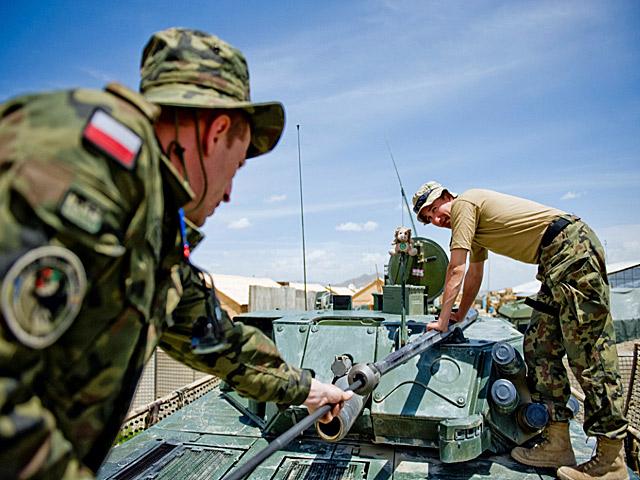 Ale nie zapominajmy, że to wojna i wojsko - czas wolny to również okazja, by zadbać o sprzęt/fot. Dariusz Lewtak