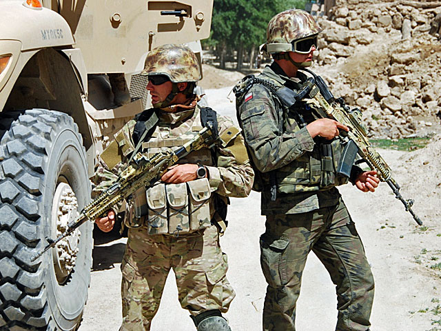 Czy 10 tys. zł to dużo, biorąc pod uwagę ryzyko związane ze służbą w Afganistanie?/fot. Szczepan Głuszczak