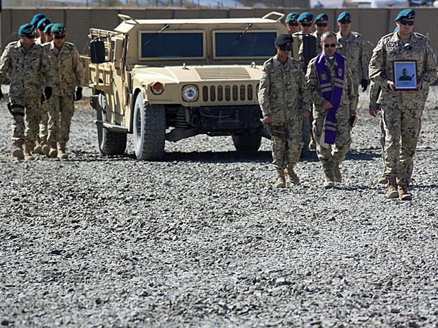 Pożegnanie ciała Mariusza Deptuły w Ghazni/fot. PKW Afganistan