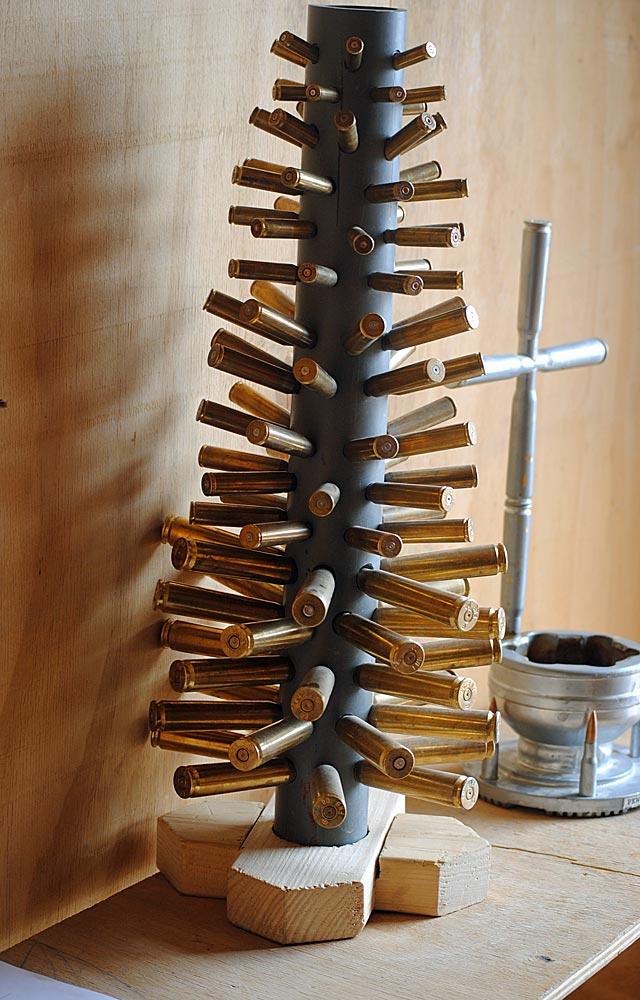 A oto wspomniane krzyż i choinka z warriorskiej kaplicy.../fot. Marcin Ogdowski