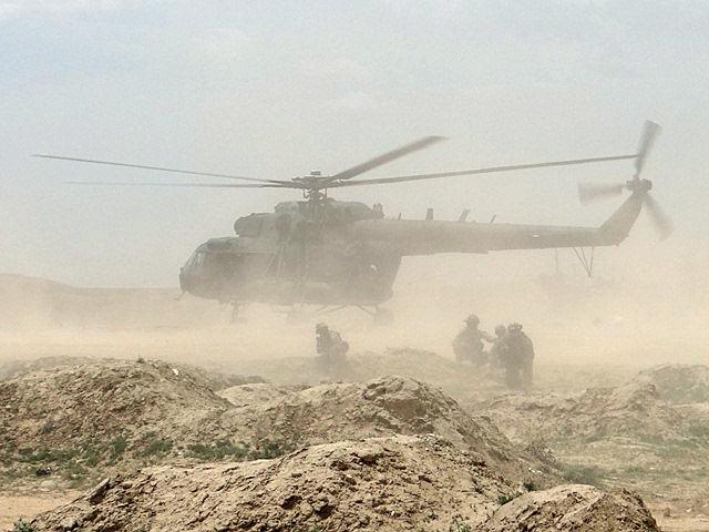 """""""Czerwone berety"""" w akcji.../fot. PIO Afganistan"""