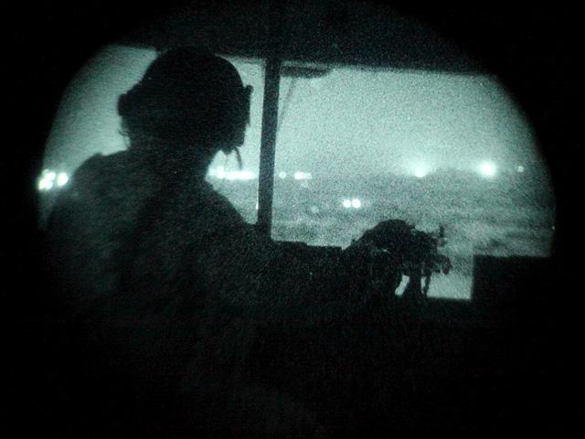 ... i w trakcie niej (zdjęcie z pokładu Mi-17)/fot. Bartek Bera