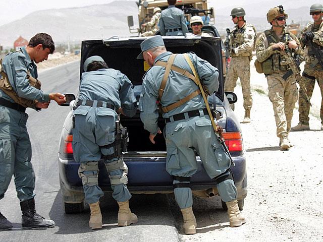 ... standardowa - przynajmniej w Afganistanie - policyjna robota/fot. PKW Afganistan