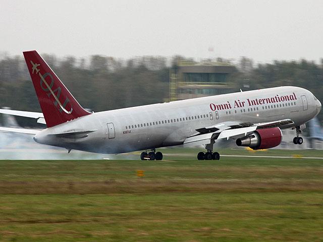 Boening 767 na płycie krakowskiego lotniska/fot. Bartek Bera