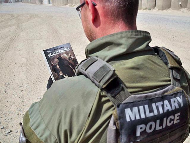 """""""Świadek..."""" w naturalnym, afgańskim otoczeniu/fot. Dariusz Lewtak"""