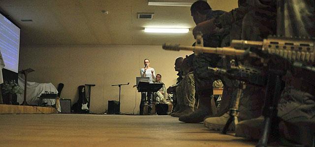 Żołnierze i pracownicy cywilni kontyngentu zapoznali się z zasadami muzułmańskiego święta - wszystko po to, by uniknąć niepotrzebnych /fot. Dariusz Lewtak