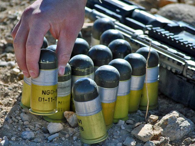 """Po naciśnięciu spustu rozlega się niepozorne """"plump"""" – tak działa amunicja używana do granatników podczepianych pod beryle. """"Robi robotę"""" – zapewniali mnie żołnierze, zadowoleni z posiadania takiej broni. Dla tych po drugiej stronie lufy to najgorsza z możliwych recenzji…"""
