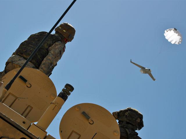 Wykorzystywane przez Polaków BSR-y nie ladują samodzielnie. Zadanie kończą spadając ze spadachronem/fot. Marcin Ogdowski