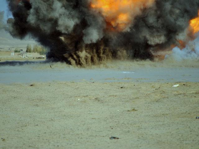 Afganistan to prawdziwy śmietnik, pełen min i niewybuchów/fot. Marcin Ogdowski